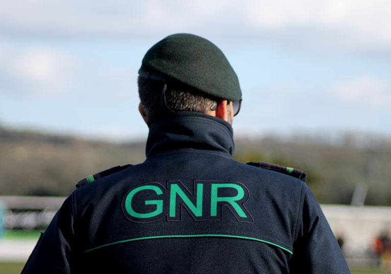 Rádio Regional do Centro: GNR detém homem em Coimbra pelo crime de violência doméstica