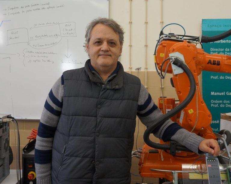 """Rádio Regional do Centro: FCTUC: Norberto Pires lança livro """"Indústria 4.0"""""""