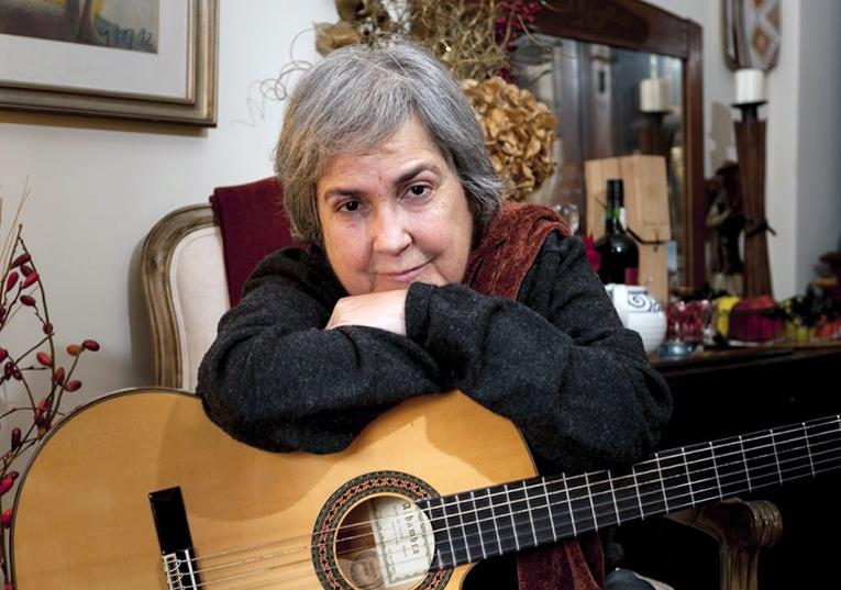 Rádio Regional do Centro: Morreu a cantora e compositora Dina