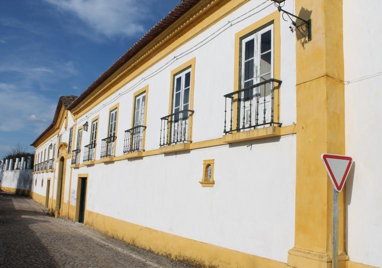 """Rádio Regional do Centro: Penela: Família Oliveira Guimarães """"dá vida"""" a antigo solar no Espinhal"""