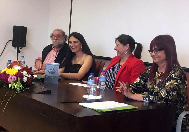 Rádio Regional do Centro: Condeixa: Susete Fetal apresentou livro de poesia