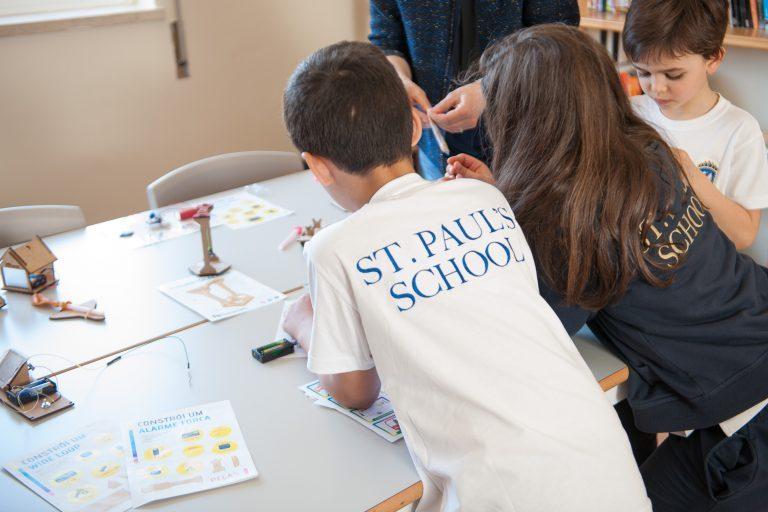 Rádio Regional do Centro: St. Paul's School comemora Dia Internacional da Família com dia aberto