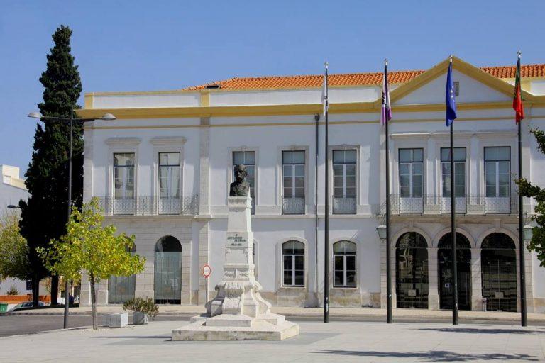 Rádio Regional do Centro: Anadia adere ao Balcão Único do prédio