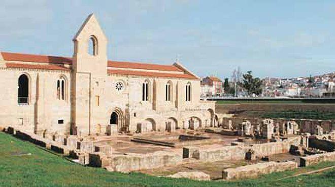 """Rádio Regional do Centro: Mosteiro de Santa Clara-a-Velha acolhe Festival """"À Corda: Cello Sessions II"""""""