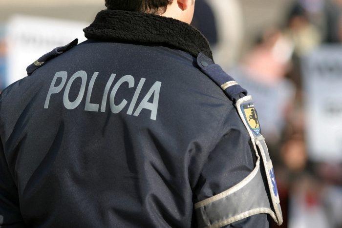 Rádio Regional do Centro: Casal detido: ele por excesso de álcool, ela por lhe ter ido levar tabaco