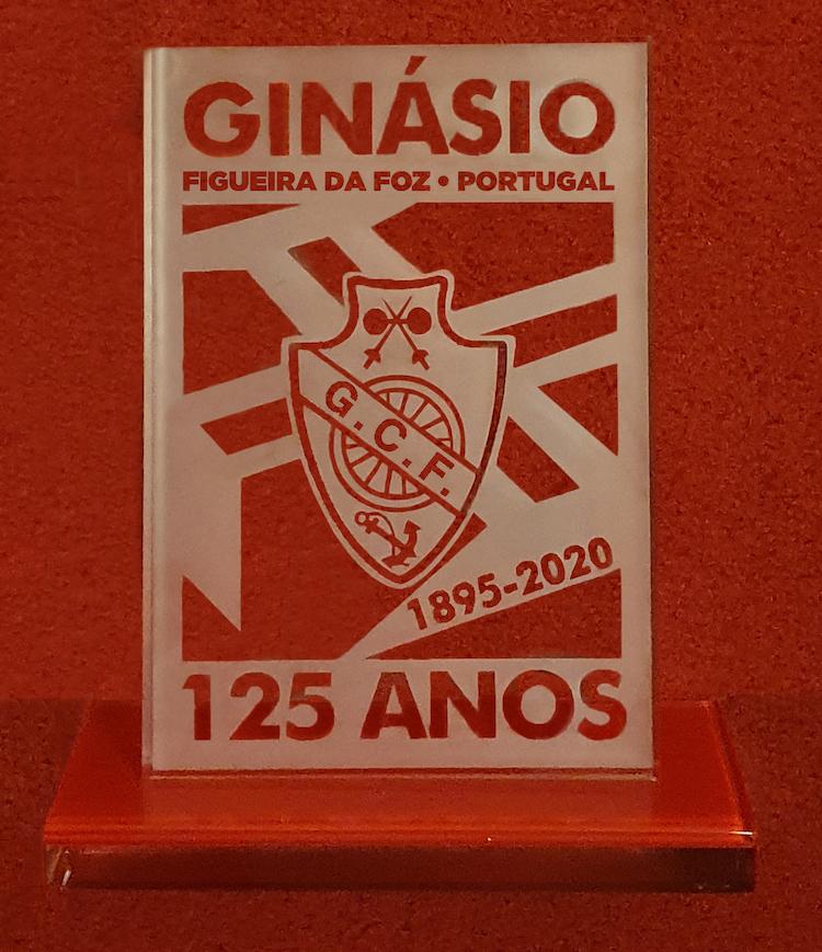 Rádio Regional do Centro: Ginásio Figueirense tem peça de vidro que assinala os 125 anos