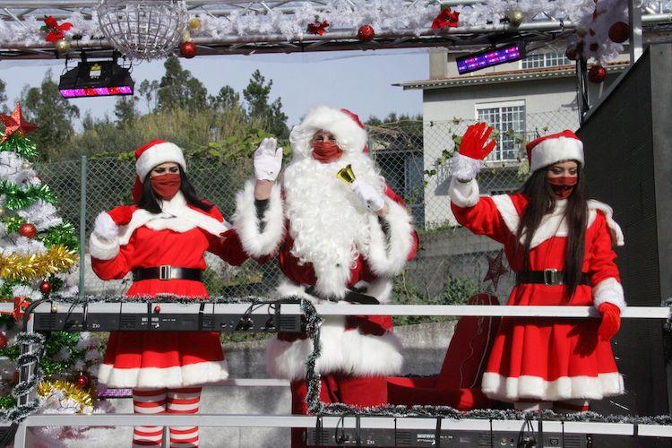Rádio Regional do Centro: Escolas do 1.º ciclo e pré-escolar de Anadia recebem o Pai Natal