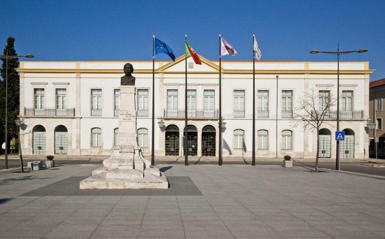 Rádio Regional do Centro: Câmara de Anadia vai atribuir 41 bolsas de estudo a alunos do ensino superior