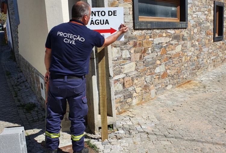 Rádio Regional do Centro: Pampilhosa da Serra coloca sinalética para localização de pontos de água