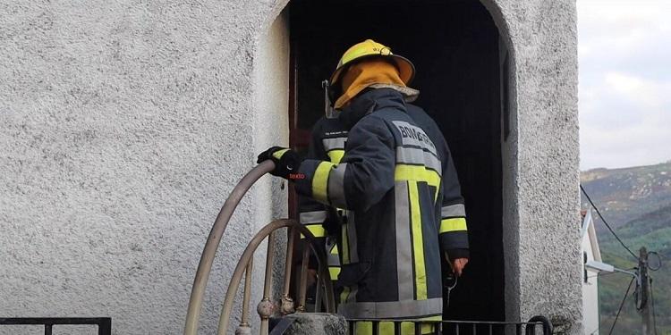 Rádio Regional do Centro: Filho de vítima mortal em incêndio numa casa em Penacova entrega-se à GNR