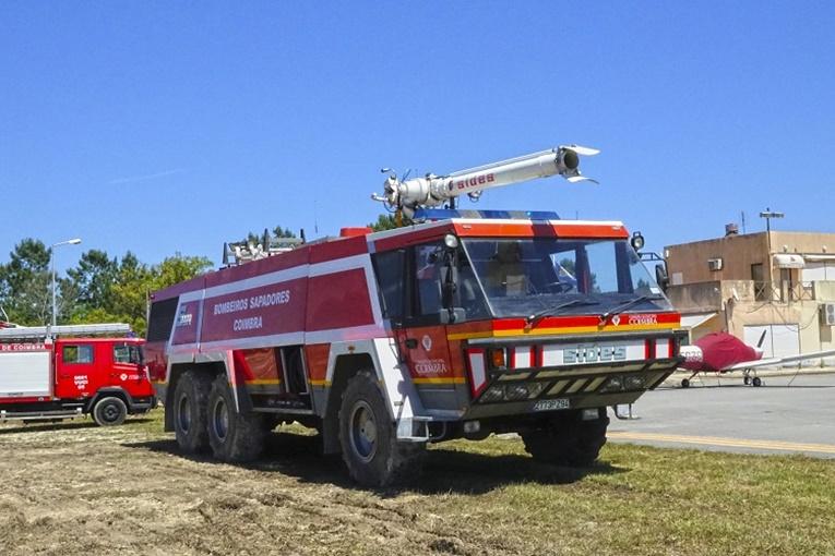 Rádio Regional do Centro: Aeródromo de Coimbra com veículo de combate a incêndios em aeronaves