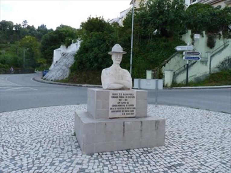Rádio Regional do Centro: CM de Coimbra repõe amanhã busto de Baden-Powell vandalizado