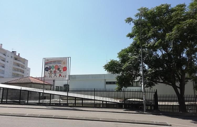 Rádio Regional do Centro: Oliveira do Hospital substitui coberturas na Escola Básica 1