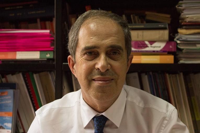 Rádio Regional do Centro: UC: Faleceu Pedro Nogueira Ramos, professor da Faculdade de Economia