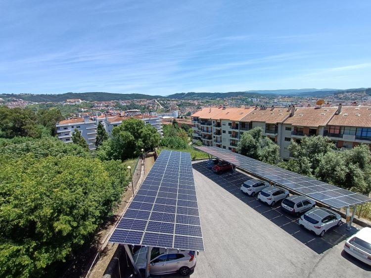 Rádio Regional do Centro: Câmara de Coimbra incentiva produção de energia fotovoltaica com mais 7.000 euros