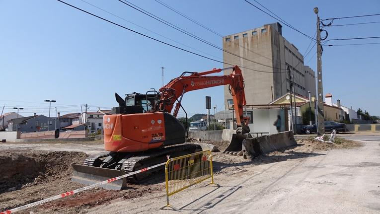 Rádio Regional do Centro: CM Coimbra reabilita terreno para estacionamento e zona de lazer na Adémia