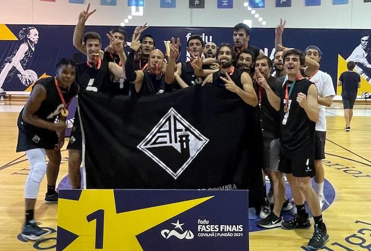 Rádio Regional do Centro: Equipa AAC-UC de basquetebol masculino revalida o título nacional universitário