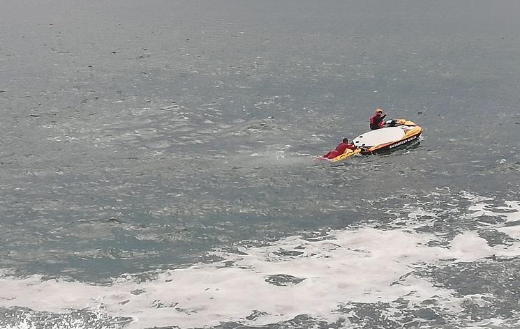 Rádio Regional do Centro: Resgatado surfista em dificuldades na praia do Cabedelo na Figueira da Foz