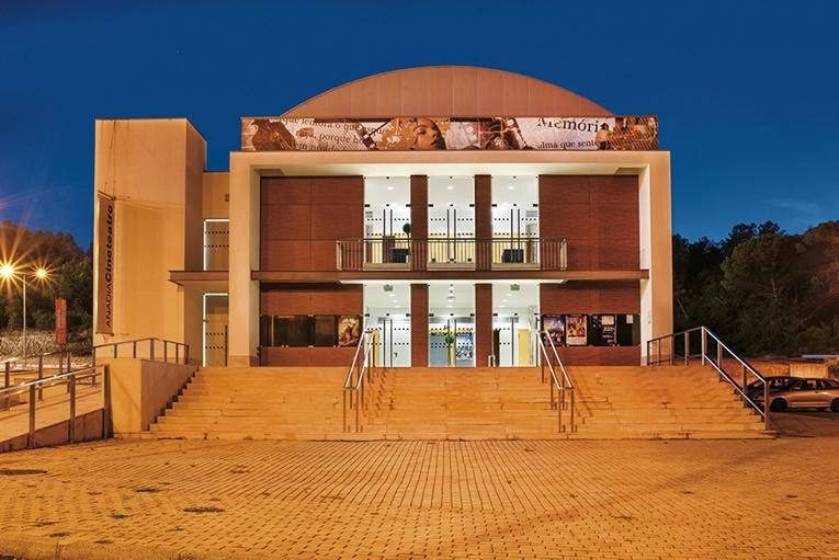 Rádio Regional do Centro: Concerto de homenagem a Amália Rodrigues pelo VOX ANGELIS no cineteatro Anadia
