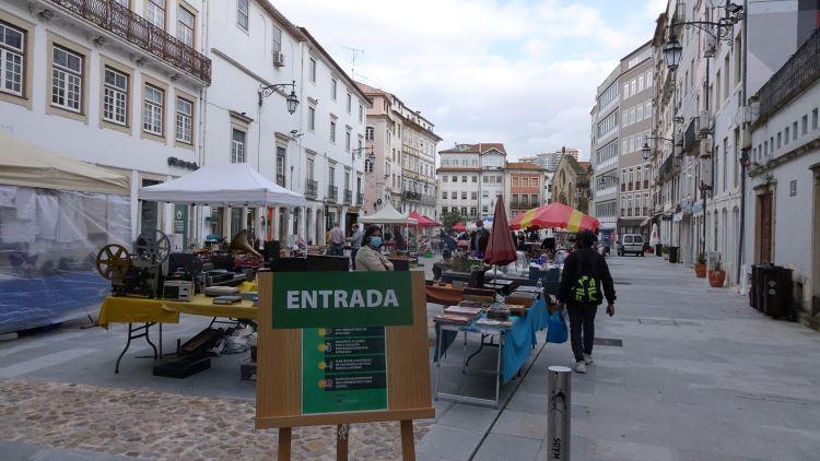 Rádio Regional do Centro: Feira de Velharias de Coimbra volta este sábado à Praça do Comércio
